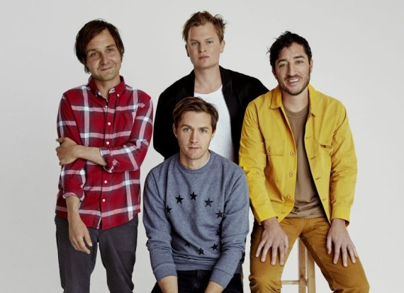 Grizzly Bear, Approved Press Photo